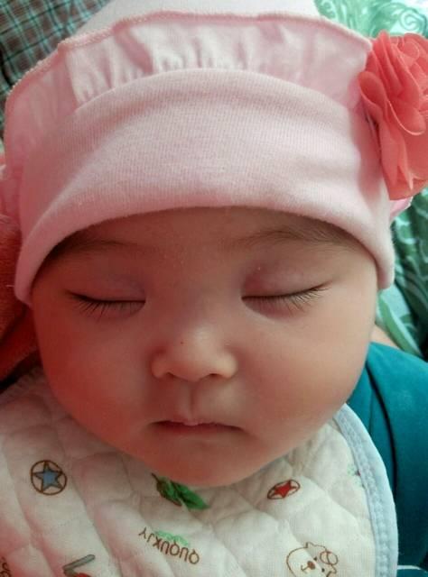 三个月宝宝晚上睡觉总是摇头怎么回事?