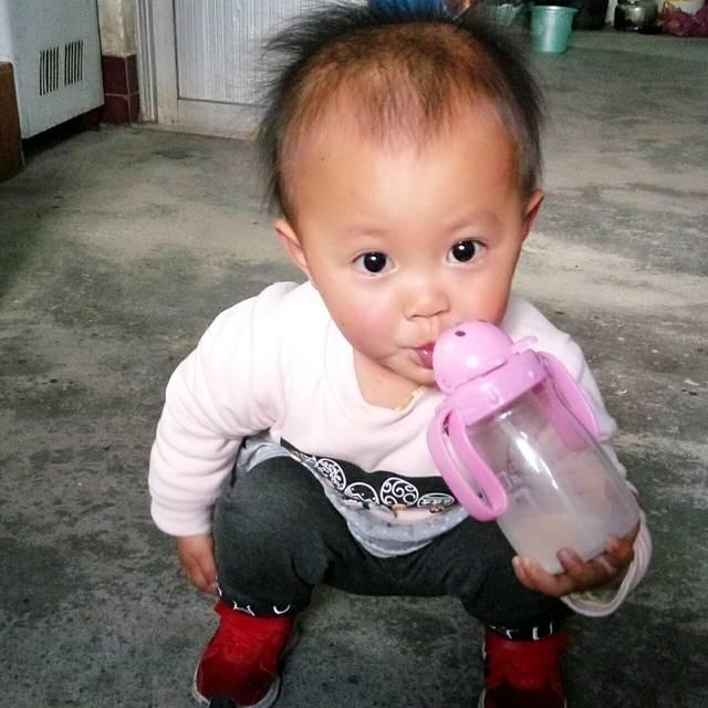 一岁七个月的宝宝不爱吃饭怎么办?_闺女一岁